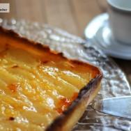 Tarta especial de peras y crema de limón